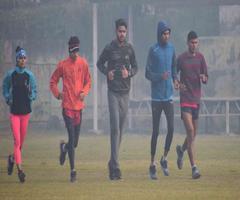 शीतलहर व कोहरे ने बिगाड़ दिया एथलीट्स का शेड्यूल, हाे रही खासी दिक्कत